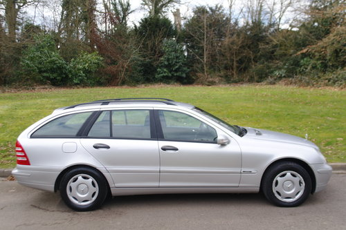 MERCEDES C180 ESTATE.. LHD LEFT HAND DRIVE.. LOW MILES..FSH SOLD (picture 6 of 6)