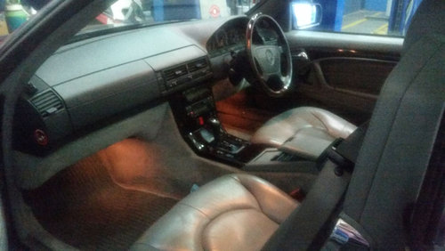 Mercedes SL320 Auto (1996) For Sale (picture 5 of 6)
