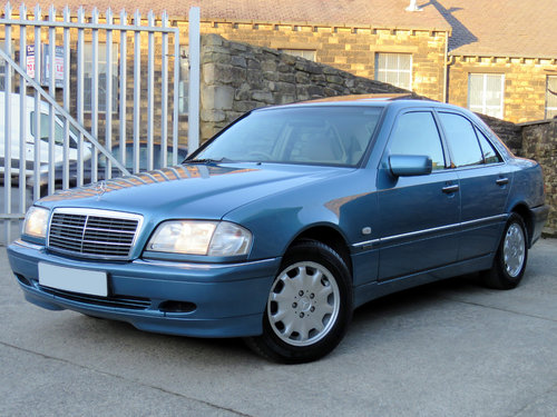 1998 Mercedes W202 C240 V6 Eleg. Auto(5) - 43K - FMBSH - 1 Owner SOLD (picture 1 of 6)