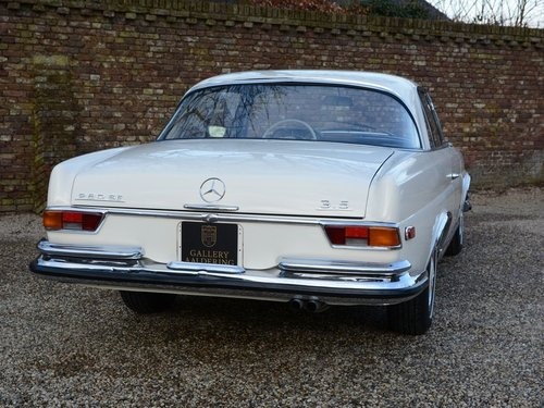 1971 Mercedes 280SE 3.5 rare manual gearbox with sunroof! For Sale (picture 6 of 6)