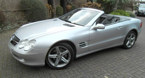 2003 Mercedes-Benz SL500 5.0 auto Roadster SOLD (picture 1 of 6)