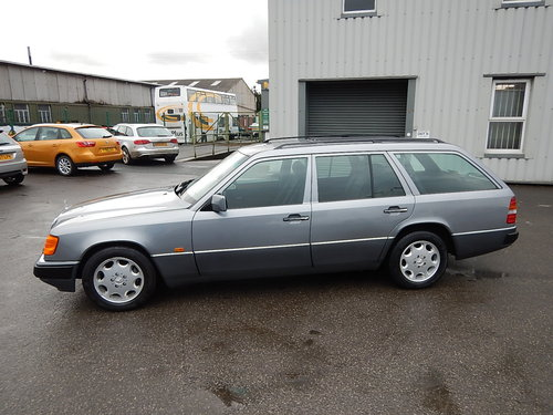1992 MERCEDES W124 230TE Seven Seater Automatic Estate ~  SOLD (picture 1 of 6)