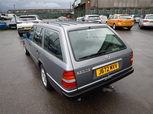1992 MERCEDES W124 230TE Seven Seater Automatic Estate ~  SOLD (picture 4 of 6)
