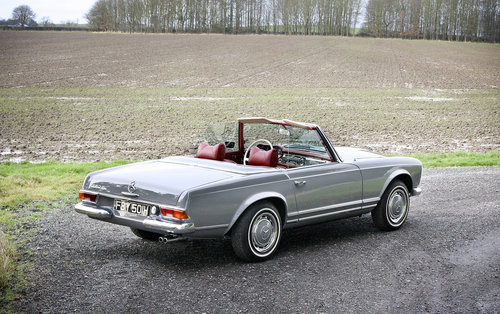 1970 Mercedes-Benz 280SL Pagoda **NOW SOLD** For Sale (picture 3 of 6)