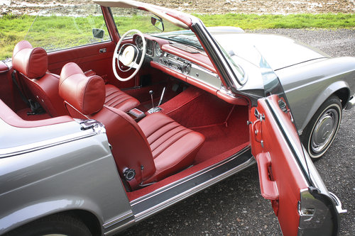1970 Mercedes-Benz 280SL Pagoda **NOW SOLD** For Sale (picture 4 of 6)