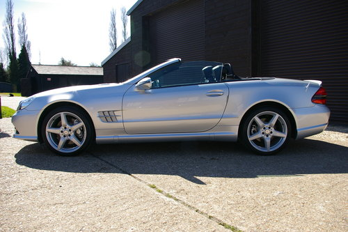 2011 Mercedes-Benz SL350 7G-Tronic Auto (22,098 miles)   SOLD (picture 1 of 6)