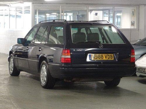 1995 Mercedes-Benz E Class 3.2 E320 5dr W124 AUTO ESTATE 7 SEATS  For Sale (picture 3 of 6)