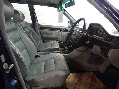 1995 Mercedes-Benz E Class 3.2 E320 5dr W124 AUTO ESTATE 7 SEATS  For Sale (picture 6 of 6)