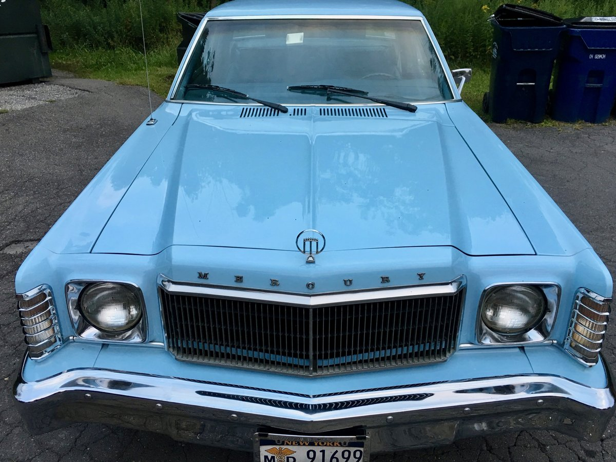 1977 Monarch Recently restored baby-blue head turner For Sale (picture 2 of 6)