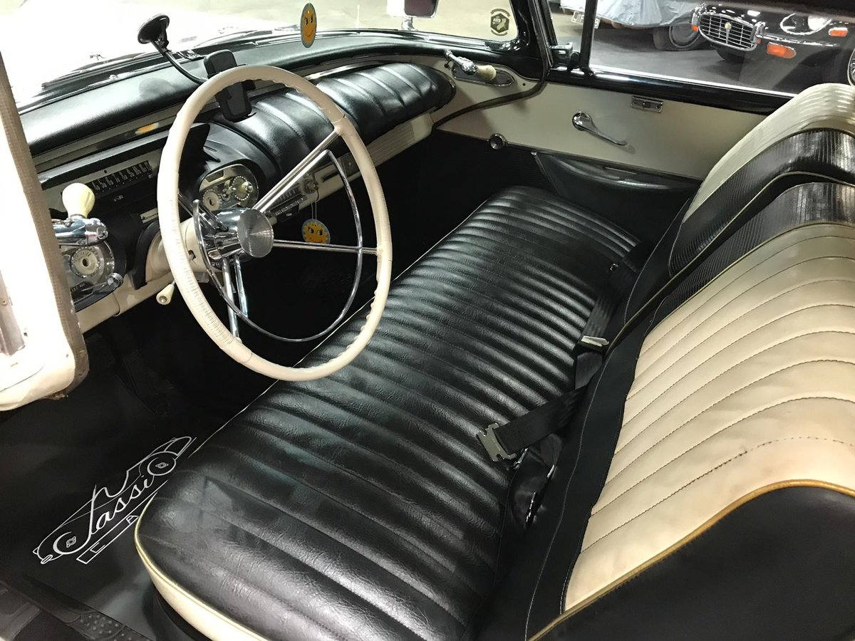 1957 MERCURY MONT CLAIR - AMERICAN CLASSIC - Ivory overPink For Sale (picture 4 of 6)