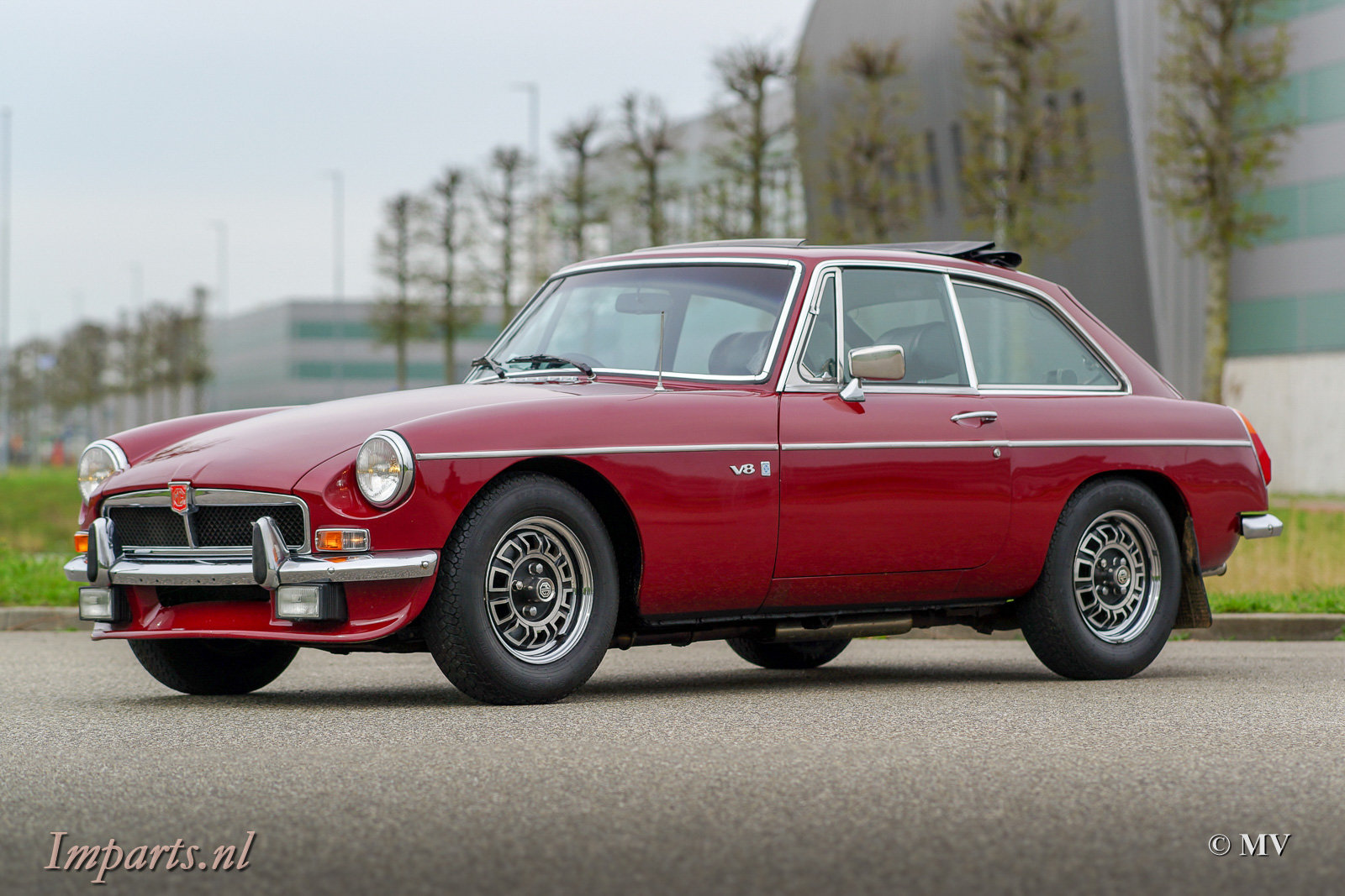 1973 MGB GT V8 with Overdrive + Webasto For Sale (picture 1 of 6)