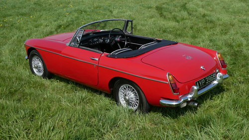 1964 MG B Roadster For Sale SOLD (picture 2 of 6)