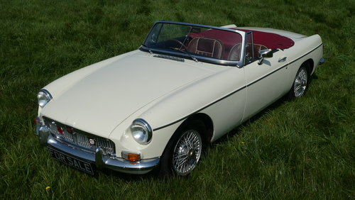 1966 MGB Roadster For Sale SOLD (picture 1 of 6)
