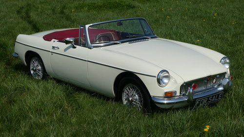 1966 MGB Roadster For Sale SOLD (picture 2 of 6)