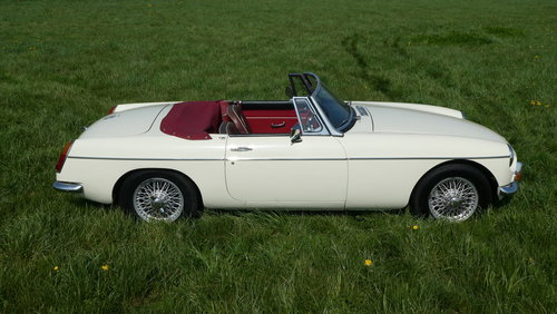 1966 MGB Roadster For Sale SOLD (picture 3 of 6)