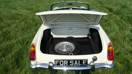 1966 MGB Roadster For Sale SOLD (picture 5 of 6)