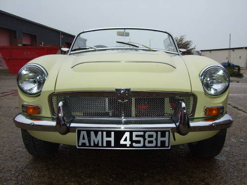 1969 Full nut and bolt restoration MGC Roadster  (picture 1 of 6)