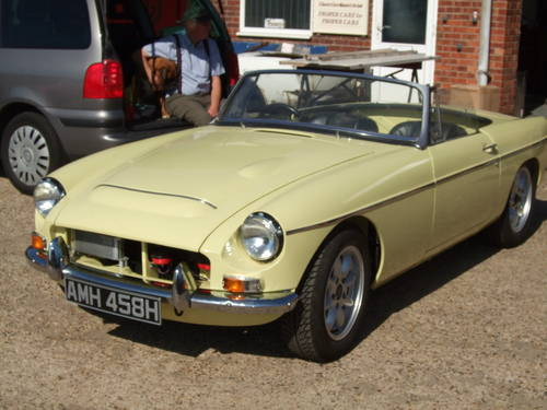 1969 Full nut and bolt restoration MGC Roadster  (picture 5 of 6)