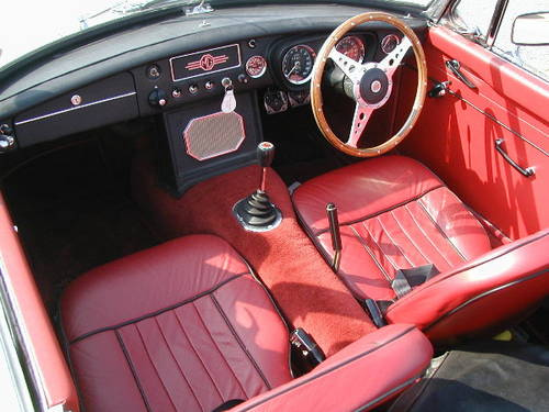 1966 Very sorted MGB Roadster  (picture 3 of 6)