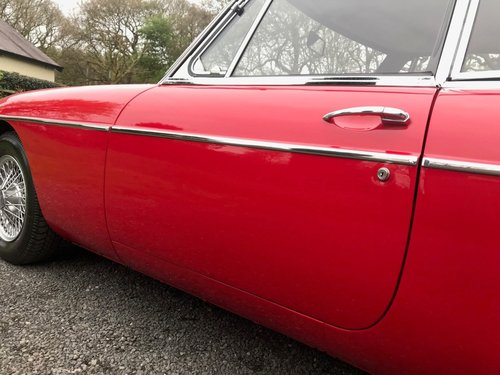 1968 MG BGT COUPE TARTAN RED 1 OWNER SIMPLY STUNNING!!!! SOLD (picture 4 of 6)