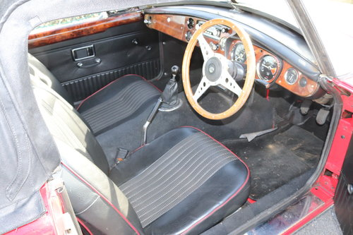 1972 MGB Roadster ,HERITAGE SHELL SOLD (picture 3 of 5)