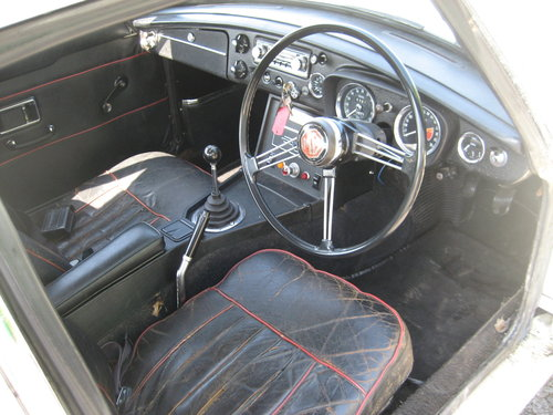 1969 MGB GT with overdrive and wire wheels SOLD (picture 4 of 6)