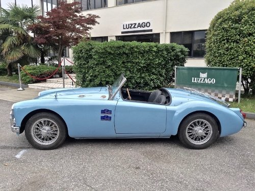 1960 MG A 1600 SPIDER MKI RESTORED SOLD (picture 2 of 6)