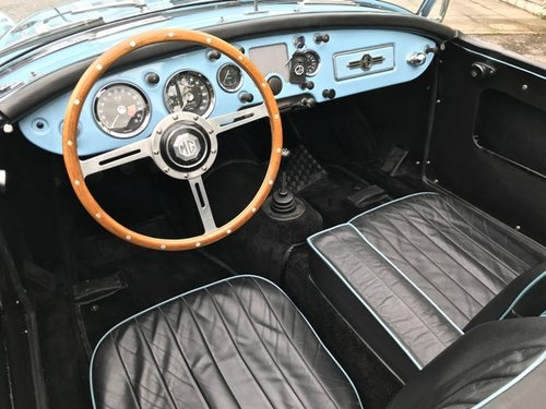 1960 MG A 1600 SPIDER MKI RESTORED SOLD (picture 4 of 6)