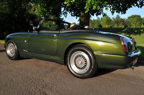 1995 Stunning MGRV8 For Sale (picture 3 of 6)