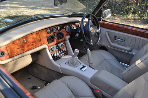 1995 Stunning MGRV8 For Sale (picture 5 of 6)