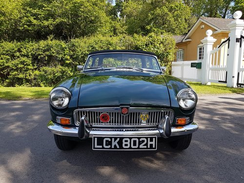 1970 MGB Roadster Dark British racing green SOLD (picture 1 of 6)