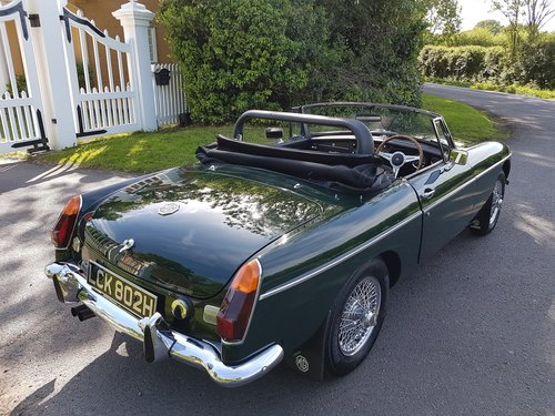 1970 MGB Roadster Dark British racing green SOLD (picture 3 of 6)