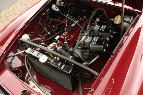 1972 MGB Roadster - Damask Red, Fully Restored chrome bumper SOLD (picture 4 of 6)