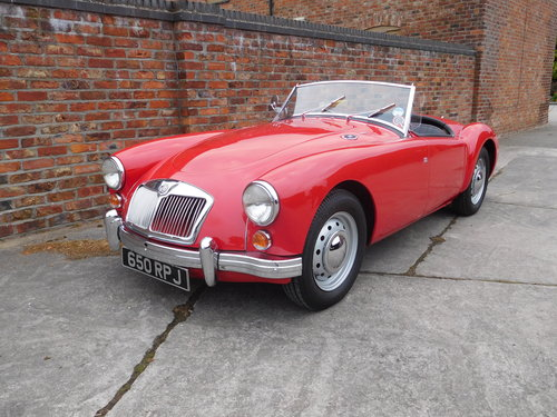 1960 MGA 1600 MK1 Roadster SOLD (picture 2 of 6)