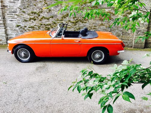 1972 MG B Roadster – £11,995  SOLD (picture 2 of 6)