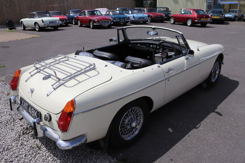 1970 MGB HERITAGE SHELL in Old english white SOLD (picture 2 of 5)