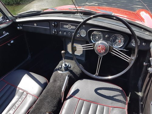 1964 MGB Roadster tartan red restored early 2000s SOLD (picture 6 of 6)