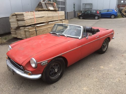 red 1972 MGB for sale For Sale (picture 1 of 6)