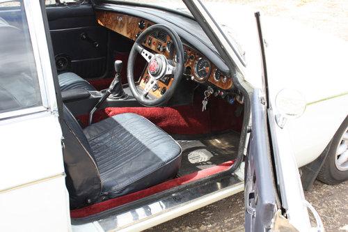 MGB GT.1972 ORIGINAL CHROME BUMPER CAR SOLD (picture 2 of 6)