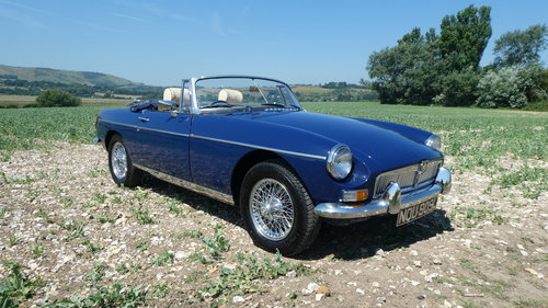 1973 MGB Roadster  SOLD (picture 1 of 6)