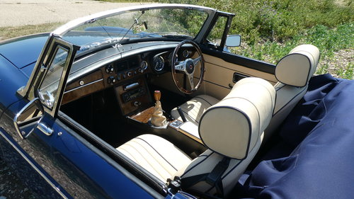 1973 MGB Roadster  SOLD (picture 3 of 6)