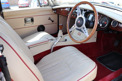 1968 MGB HERITAGE SHELL,Finest available,CCHL Built,Oselli spec.  SOLD (picture 2 of 6)