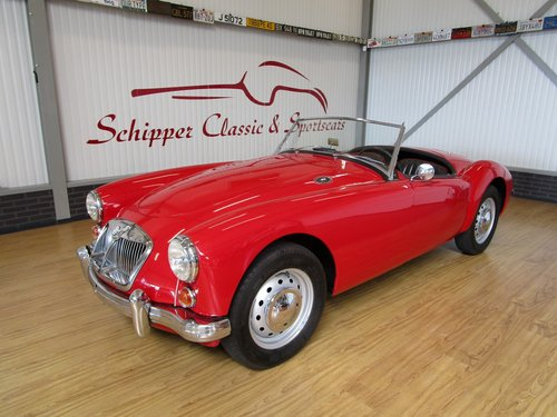 1962 MG A Roadster MK11 1600 For Sale (picture 1 of 6)