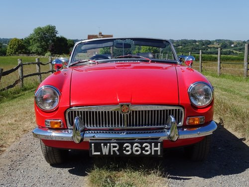 1969 Lovely  MGB Roadster,overdrive,new MOT,ready to enjoy. SOLD (picture 3 of 6)