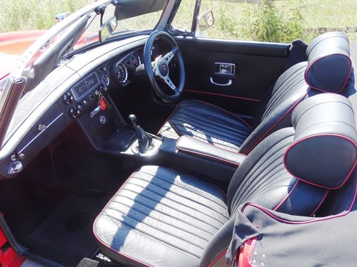 1969 Lovely  MGB Roadster,overdrive,new MOT,ready to enjoy. SOLD (picture 4 of 6)