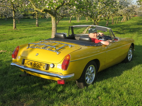 A retro, sunny MGB Roadster  For Hire (picture 2 of 6)