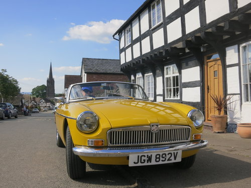 A retro, sunny MGB Roadster  For Hire (picture 3 of 6)