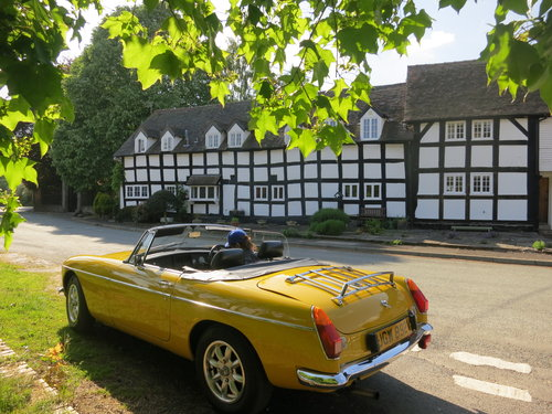 A retro, sunny MGB Roadster  For Hire (picture 4 of 6)