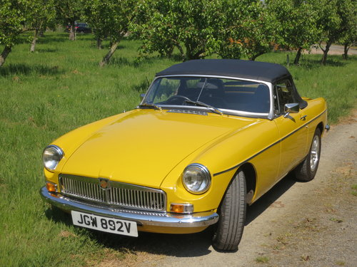 A retro, sunny MGB Roadster  For Hire (picture 5 of 6)