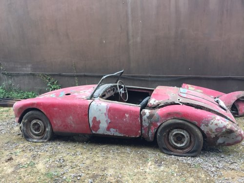 MGA 1956 MK1 1600 CC FOR RESTORATION UK CAR  SOLD (picture 1 of 4)